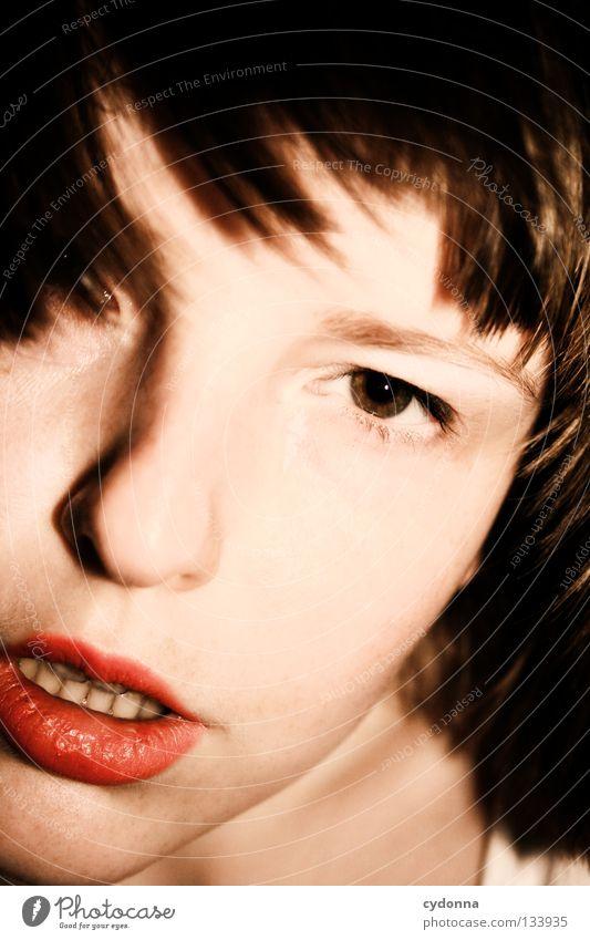 SELF Frau Mensch Natur schön rot schwarz ruhig Gesicht feminin Leben sprechen Gefühle Kopf Bewegung Haare & Frisuren Stil