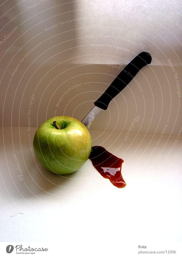 mord-in-der-küche Ernährung Küche Apfel Messer geschnitten