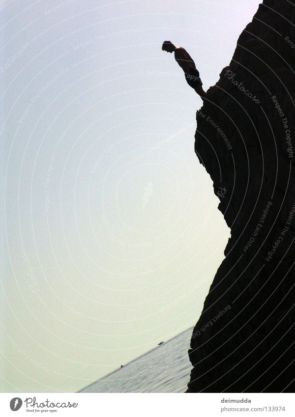 Sprunghilfe Wasserfahrzeug springen kalt nass Sonnenuntergang Extremsport Berge u. Gebirge blau Tod Himmel Mensch Hinterteil Luftverkehr Hangtime Coolness
