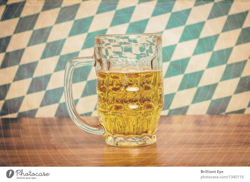 Retro Oktoberfest Getränk Erfrischungsgetränk Alkohol Bier Design Sommer Holz Glas retro gelb Tourismus Tradition Deutschland Pub München Bierkrug Muster Bayern