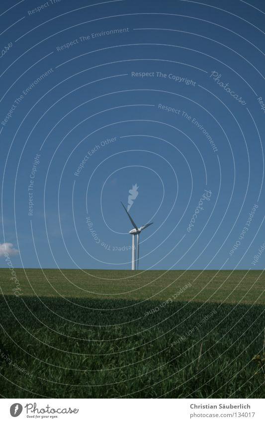 saubere Energie II Himmel weiß grün blau Wolken Wiese Gras Feld Industrie Elektrizität Zukunft Getreide Windkraftanlage ökologisch Mühle Kornfeld