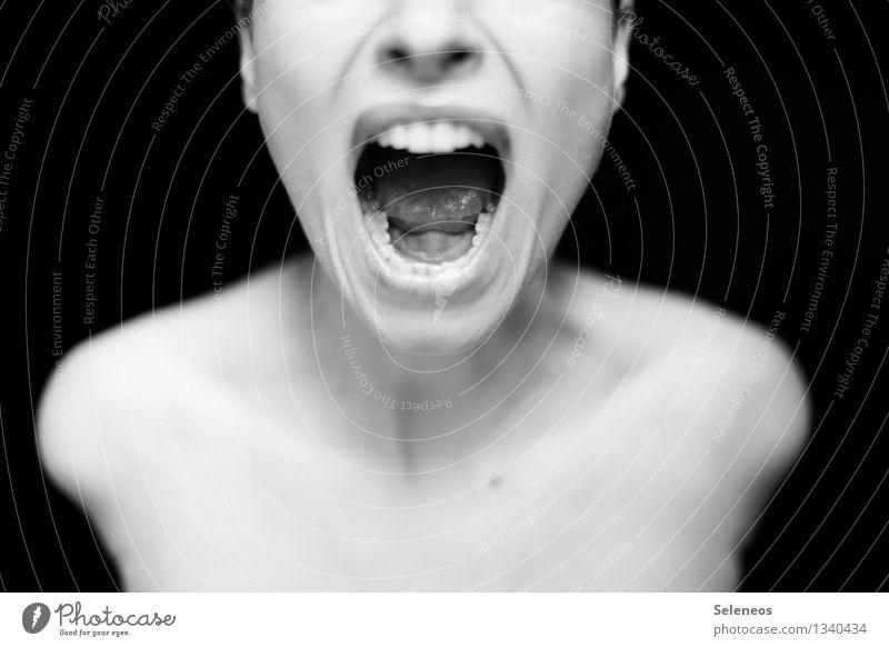 *kreisch* Mensch feminin Körper Haut Kopf Gesicht Nase Mund Lippen Zähne Zunge 1 schreien Schmerz Angst Entsetzen Stress verstört Wut gereizt laut