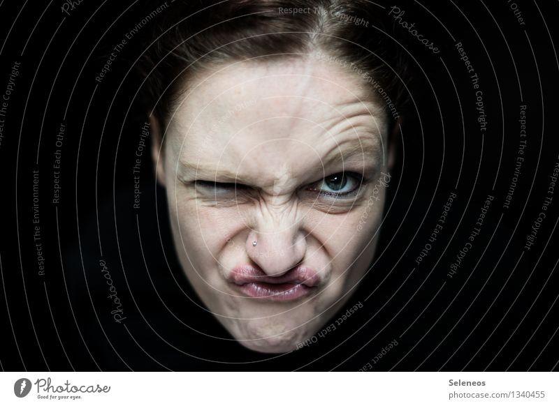 Ich will endlich den Frühling! Mensch feminin Frau Erwachsene Gesicht Auge Nase Mund 1 Piercing frech rebellisch Gefühle Wut Ärger gereizt Feindseligkeit