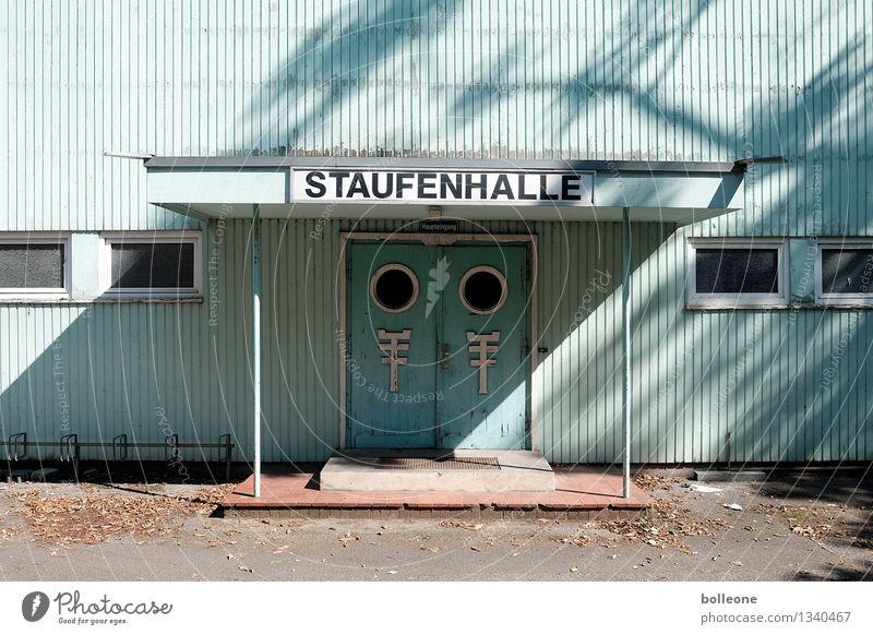 Lost Places: Staufenhalle Düsseldorf Deutschland Bauwerk Gebäude Architektur Sporthalle Fassade Eingang alt kaputt Endzeitstimmung Freizeit & Hobby Stadt