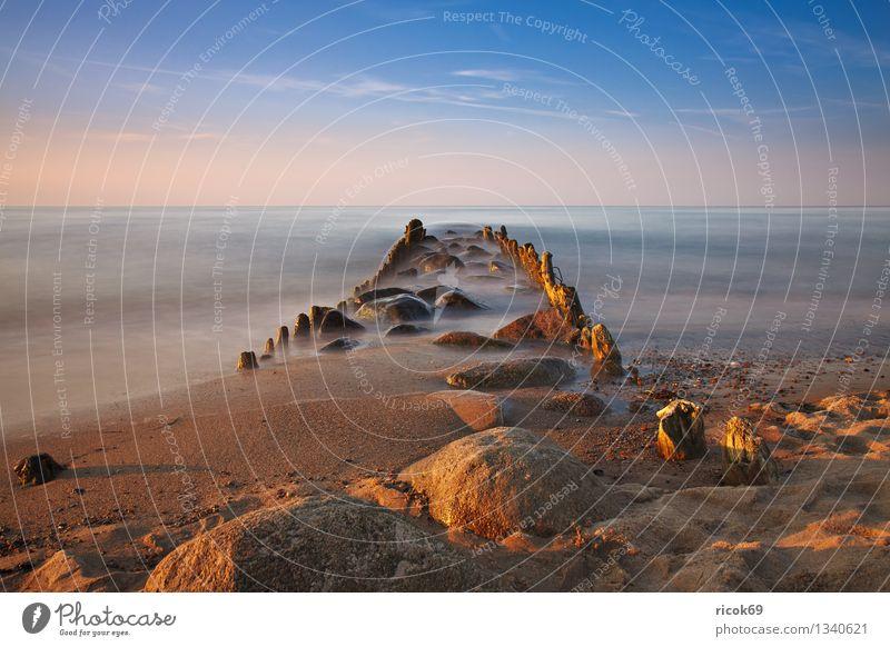 Buhne an der Ostseeküste Natur Ferien & Urlaub & Reisen alt blau Wasser Meer Landschaft ruhig Wolken Strand Küste Stein Tourismus Idylle Romantik