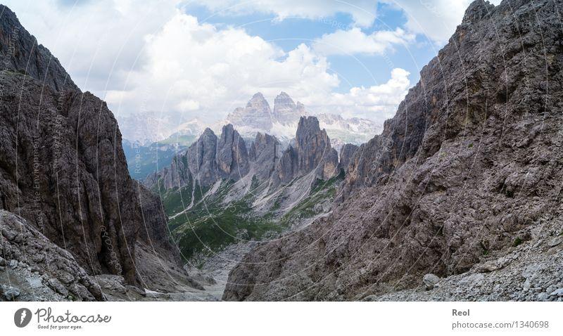 Dolomiten Himmel Natur Sommer Landschaft Wolken Ferne Berge u. Gebirge grau Stein Felsen Erde wandern Spitze Italien Schönes Wetter Abenteuer