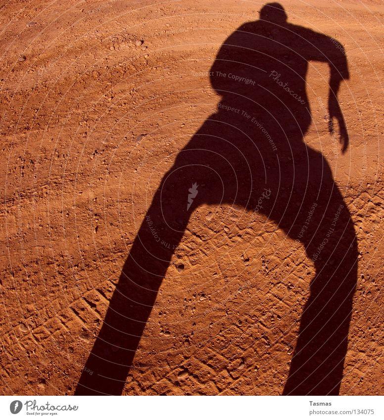 Schneller Schatten [Rechts] bereit Duell Anspannung Fischauge Wilder Westen Zigarettenmarke Wut Ärger Erde Sand Mars Sureal duellieren Hulk Held Superheld