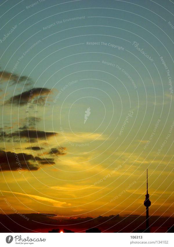 NEOROMANTIK: POSTCARD FROM BERLIN Himmel blau Ferien & Urlaub & Reisen Stadt schön rot Sonne Farbe Wolken ruhig gelb Spielen Gefühle Berlin Freiheit Architektur