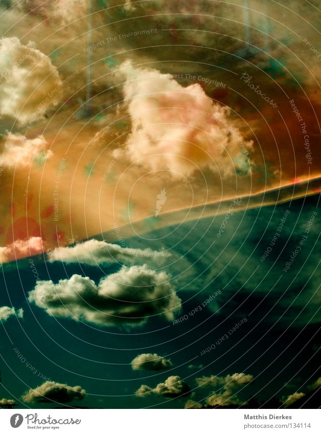 Transparent Sky Wolken schlechtes Wetter Lamm Altokumulus floccus grün Sonnenlicht Meer Sturm Sommer Regen Ferne Aussicht Endzeitstimmung Apokalypse weiß