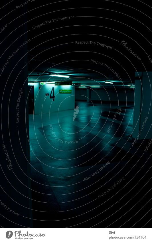 Garage blau ruhig dunkel Architektur 4 tief Garage