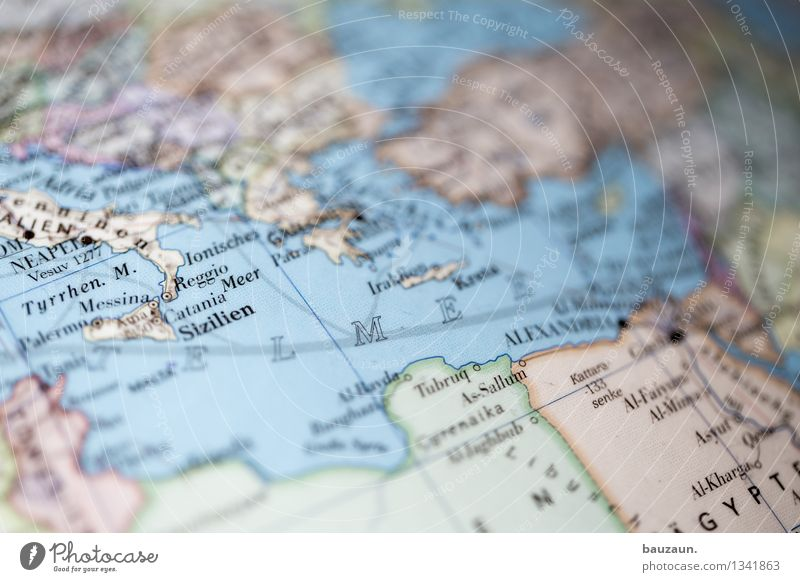 mittelmeer. Ferien & Urlaub & Reisen Tourismus Ausflug Abenteuer Ferne Freiheit Sightseeing Kreuzfahrt Expedition Meer Küste Mittelmeer Europa Afrika Linie
