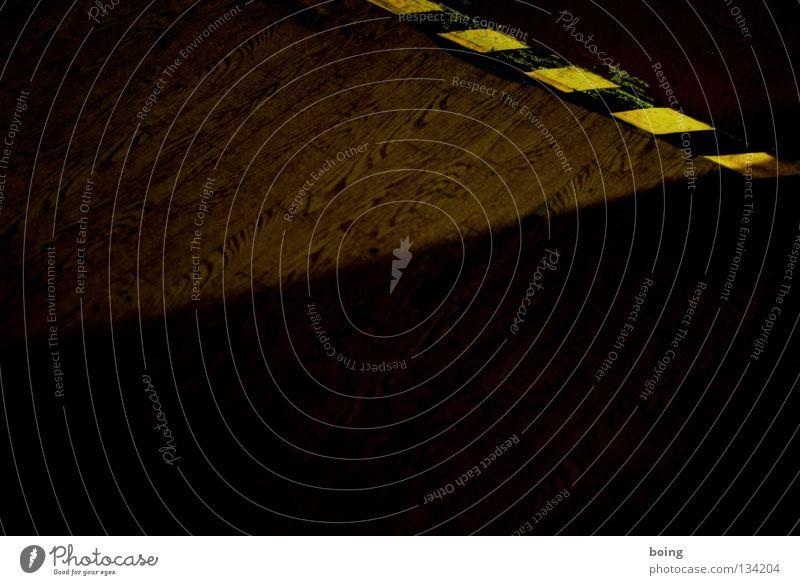 Carl Moritz Cammerloher Stolperfalle Streifen Parkett Holzfußboden dunkel Eiche Klebeband Warnhinweis Grenze Gefahrenbereich Hintergrundbild Lichteinfall