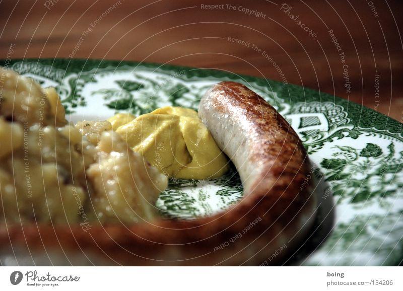 selling Bratwurst and Potato Salad in Bavaria Ernährung Feste & Feiern Tisch Gastronomie Club Grillen Sonnenbad Teller Abendessen Mahlzeit Wurstwaren Fastfood
