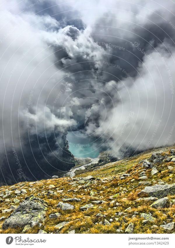 Bergwanderung in Südtirol Felsen Alpen Berge u. Gebirge See Stein Wasser wandern blau gelb gold grau Stimmung Zufriedenheit Tatkraft Lebensfreude