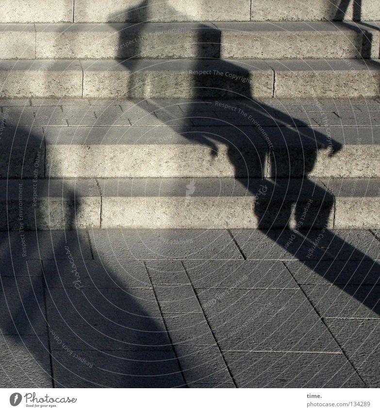 Schattenkabinett 2 Beton verrückt Treppe Kommunizieren obskur Bürgersteig Verkehrswege diagonal bizarr Geländer Bodenplatten Nosferatu