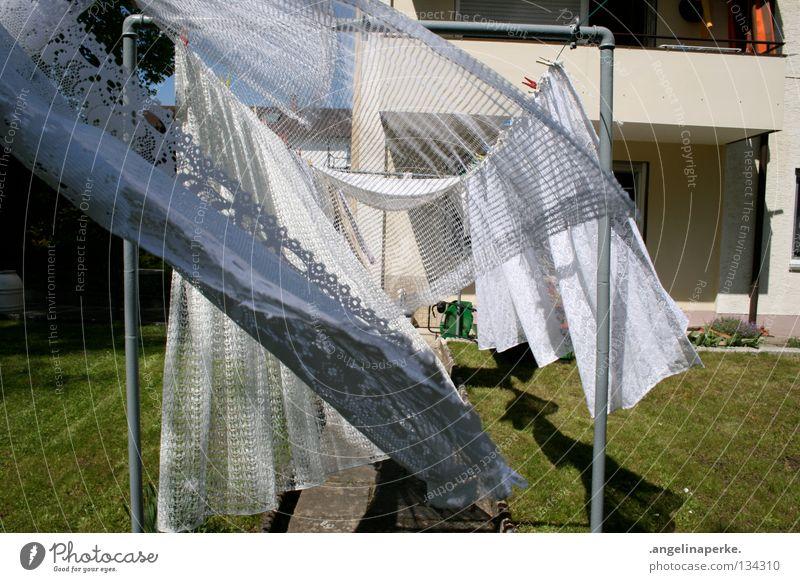 der wind das himmlische kind.. weiß grün Sommer Garten Wärme Wind Physik Vorhang Wäsche Wäscheleine luftig