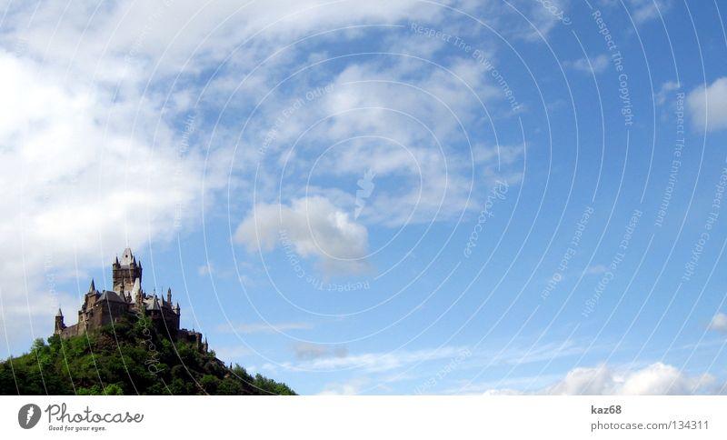 Reichsburg Wolken Schwert Hexe Hexenverbrennung Kräuterhexe Cochem Mosel (Weinbaugebiet) Festung kalt Ferien & Urlaub & Reisen Zinnen Himmel Gemäuer Mauer