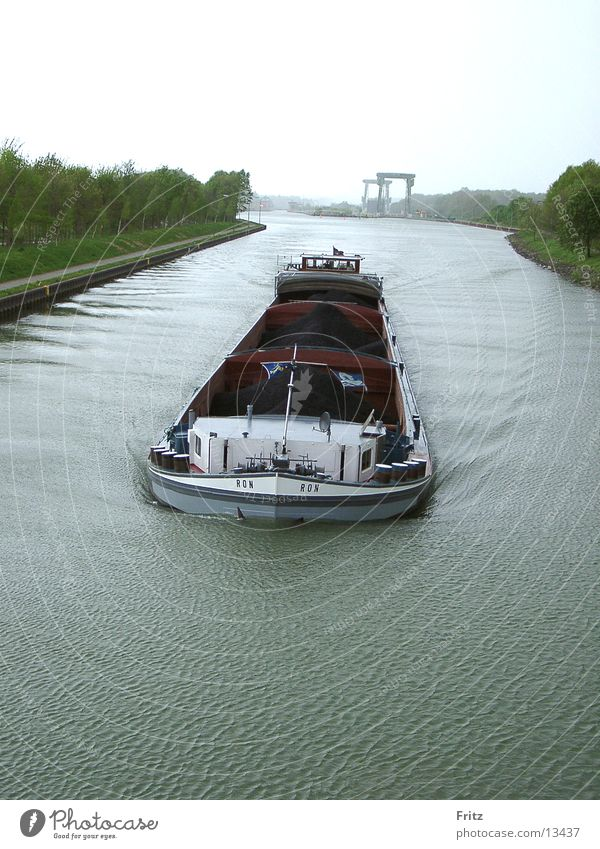 volle-kraft-voraus Wasserfahrzeug Schifffahrt Kahn Abwasserkanal