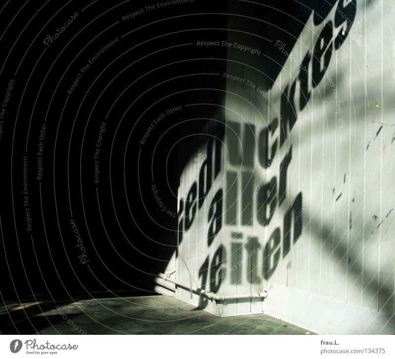 Gedrucktes Ladengeschäft Leerstand Buch Zeitschrift Plakat Zeitung Printmedien Wort drucken Buchdruck Bildung Kultur Kunst Erinnerung Zukunft Typographie