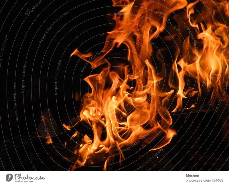Pyro-Art heiß rot gelb Physik brennen Momentaufnahme gefährlich Feuer Brand Feuerstelle Flamme Wärme bedrohlich