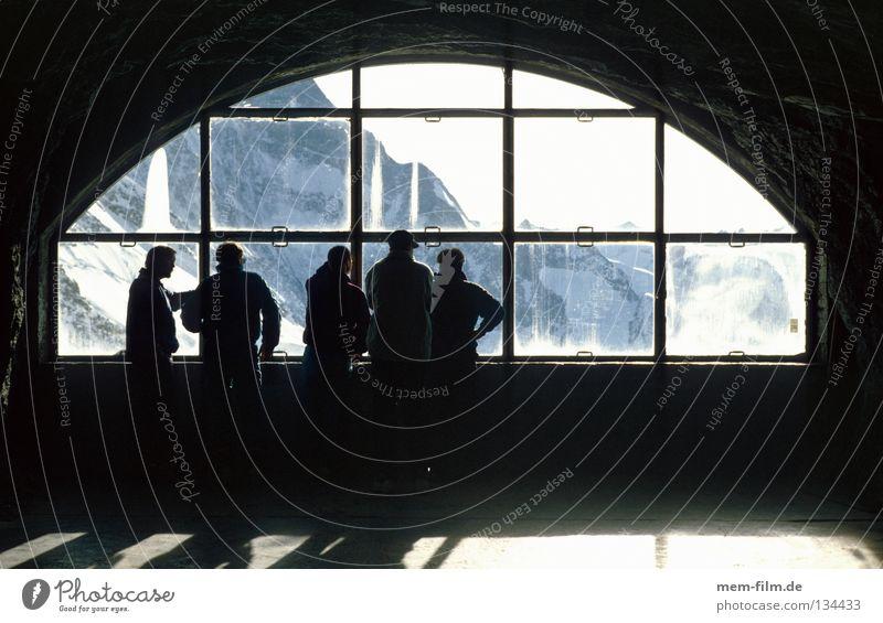 fenster zur wand Eiger Fenster Tunnel Berner Oberland Schweiz Grindelwald Gletscher Tourist Berge u. Gebirge Bahnhof nordwand eigerfenster Eisenbahn