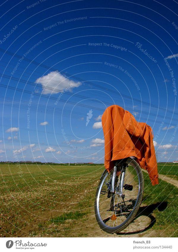 Pulli on tour Wolken zyan Fahrrad Pullover Jacke grün Wiese Gras Feld Landwirtschaft Pause Gabel Fahrradtour Ferien & Urlaub & Reisen Erholung frei loslassen