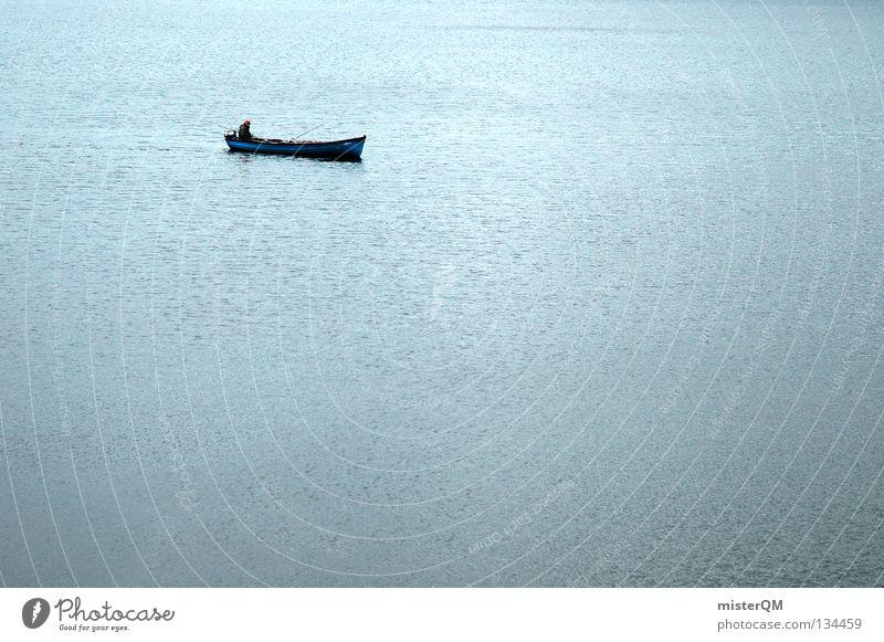 Früher ist er die Strecke gelaufen. Mensch Wasser blau Meer ruhig Einsamkeit Ferne Leben klein See Wasserfahrzeug Wellen Freizeit & Hobby modern Fisch Klarheit