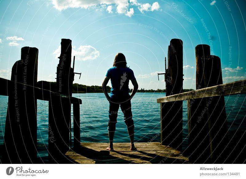Luftsprünge (Intro) Mann Wasser Himmel blau Sommer Wolken Einsamkeit dunkel See Denken warten maskulin frei Schwimmen & Baden heiß Konzentration