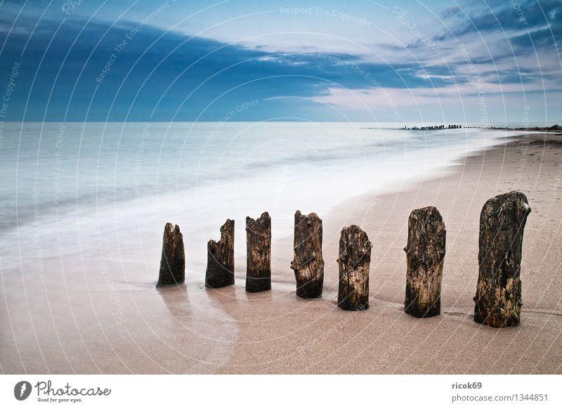 Ostseeküste Strand Natur Landschaft Wasser Wolken Küste Meer alt blau Romantik Idylle Ferien & Urlaub & Reisen ruhig Tourismus Buhne Himmel
