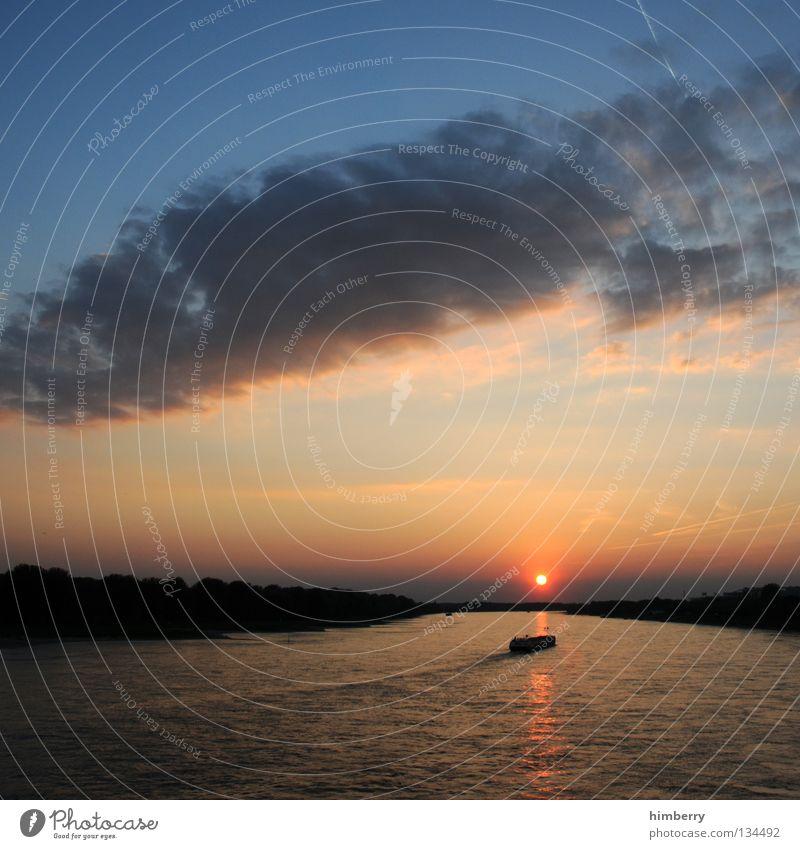 fullboat Wasser Himmel Sonne Meer Wolken Wege & Pfade Landschaft Wasserfahrzeug Abenteuer Güterverkehr & Logistik Fluss Romantik Richtung Verkehrswege Schifffahrt Bach