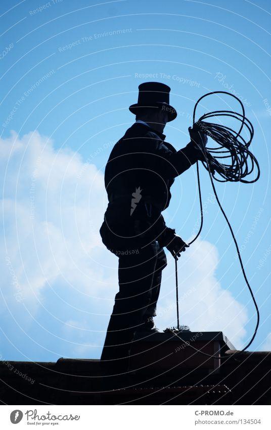 Trallala der Schornsteinfeger ist da II Glück Zufriedenheit stehen Seil Dach Reinigen Hut Gleichgewicht Handwerk Handwerker Arbeitsplatz Besen Bürste
