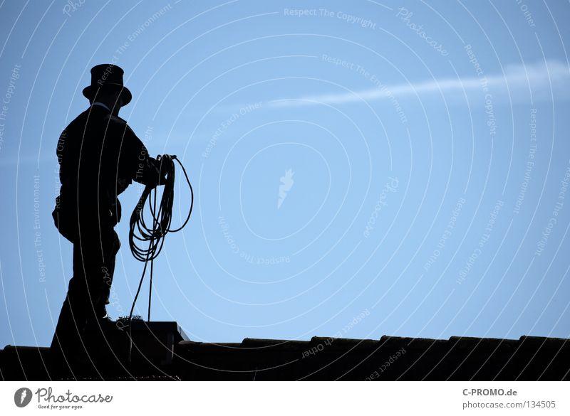 Trallala der Schornsteinfeger ist da III Dach Reinigen Zufriedenheit Handwerk Heizkörper Glück Hut Schrägdach Ruß Glücksbringer stehen Arbeitsbekleidung
