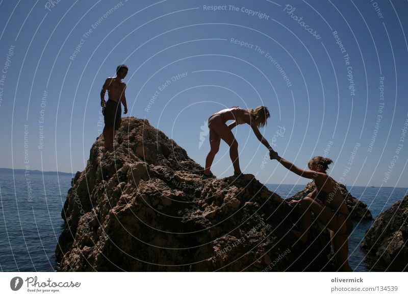 hilfsbereit Wasser Himmel Meer blau Stein Freundschaft Felsen Hilfsbereitschaft Klarheit beobachten Vertrauen
