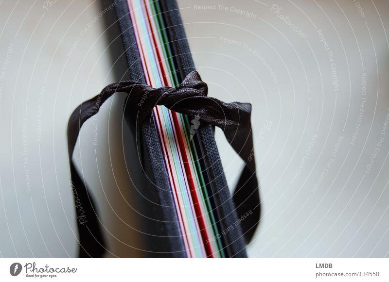 Papier-Mappe bunt 1 weiß schwarz grau Kunst Arbeit & Erwerbstätigkeit Ordnung Bildung schreiben Schnur Beruf Aktenordner Schleife Knöpfe sortieren Knoten