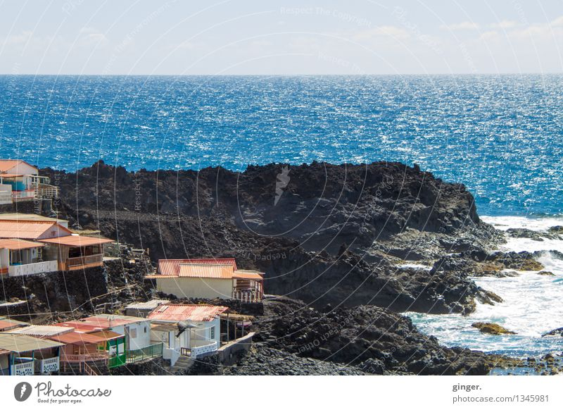 La Palma - Siedlung am Meer Umwelt Landschaft Luft Wasser Himmel Wolken Frühling Klima Wetter Schönes Wetter Wärme Hügel Felsen Bucht Atlantik Insel Dorf