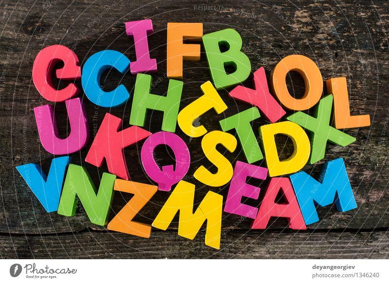 Holzbuchstaben Design Papier Spielzeug Sammlung alt Farbe Alphabet Briefe farbenfroh altehrwürdig Holzplatte Text Hintergrund Gußeisen Wort abc Vorschule