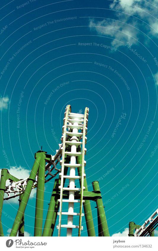 Rollover Achterbahn schreien grün Wolken Freizeit & Hobby Coaster Kreisch Angst Sidewinder Inline Twist SLC Vekoma Suspended Looping Coaster weiiß blau inverted