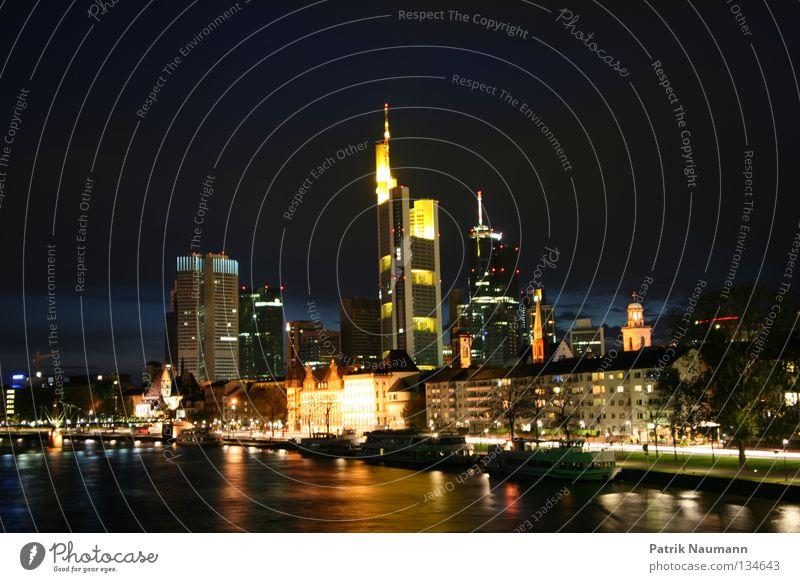 Skyline bei Nacht II Wasser Stadt Straße Beleuchtung Metall Hochhaus Frankfurt am Main