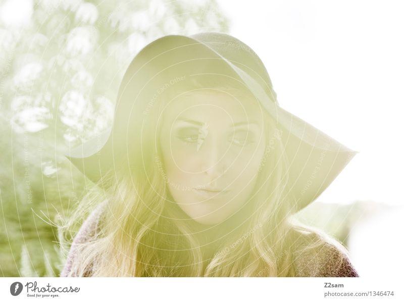 Autum 2015 Lifestyle elegant Stil schön feminin Junge Frau Jugendliche 18-30 Jahre Erwachsene Herbst Schönes Wetter Mode Piercing Hut blond langhaarig Denken
