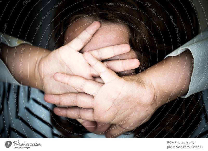 Bitte nicht Gesicht Kind Mädchen Junge Frau Jugendliche 8-13 Jahre Kindheit 13-18 Jahre schreien Aggression Gefühle Schmerz Scham Angst Entsetzen Stress Wut