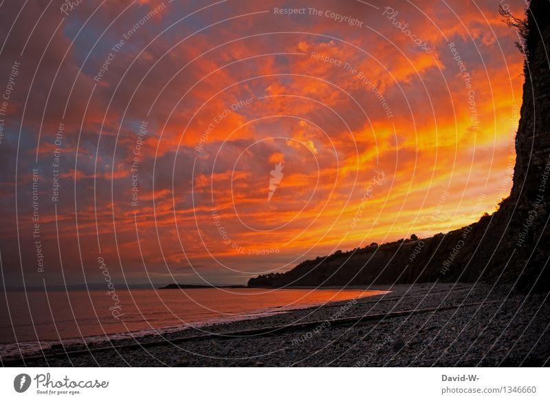 Himmelsfeuer Kunst Umwelt Natur Landschaft Feuer Luft Wolken Sonne Sonnenaufgang Sonnenuntergang Sonnenlicht Herbst Wetter Schönes Wetter Felsen Küste Strand