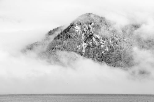 Nebelberg Natur Wasser Landschaft ruhig Winter kalt Berge u. Gebirge Schnee Gipfel Alpen Schneebedeckte Gipfel silber