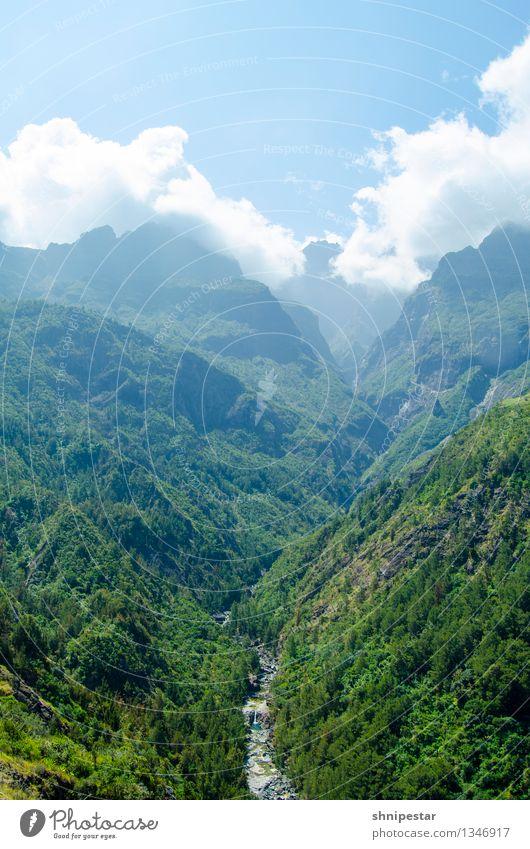 Le Bras Rouge   Cirque de Cilaos Himmel Natur Ferien & Urlaub & Reisen Pflanze Landschaft Ferne Berge u. Gebirge Umwelt Leben Gesundheit außergewöhnlich