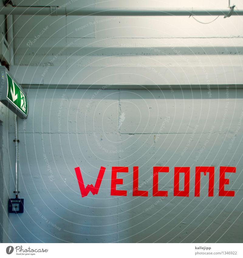 refugees welcome Wand Mauer orange Schilder & Markierungen Schriftzeichen Zeichen Schutz Pfeil Flucht Politik & Staat Willkommen Notfall flüchten Flüchtlinge Alarm Notausgang