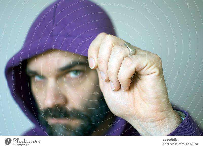Dank Photocase das hier: Kasper Mütze maskulin Mann Erwachsene Gesicht Hand 1 Mensch 30-45 Jahre 45-60 Jahre Kapuzenpullover Ring schwarzhaarig Bart Vollbart