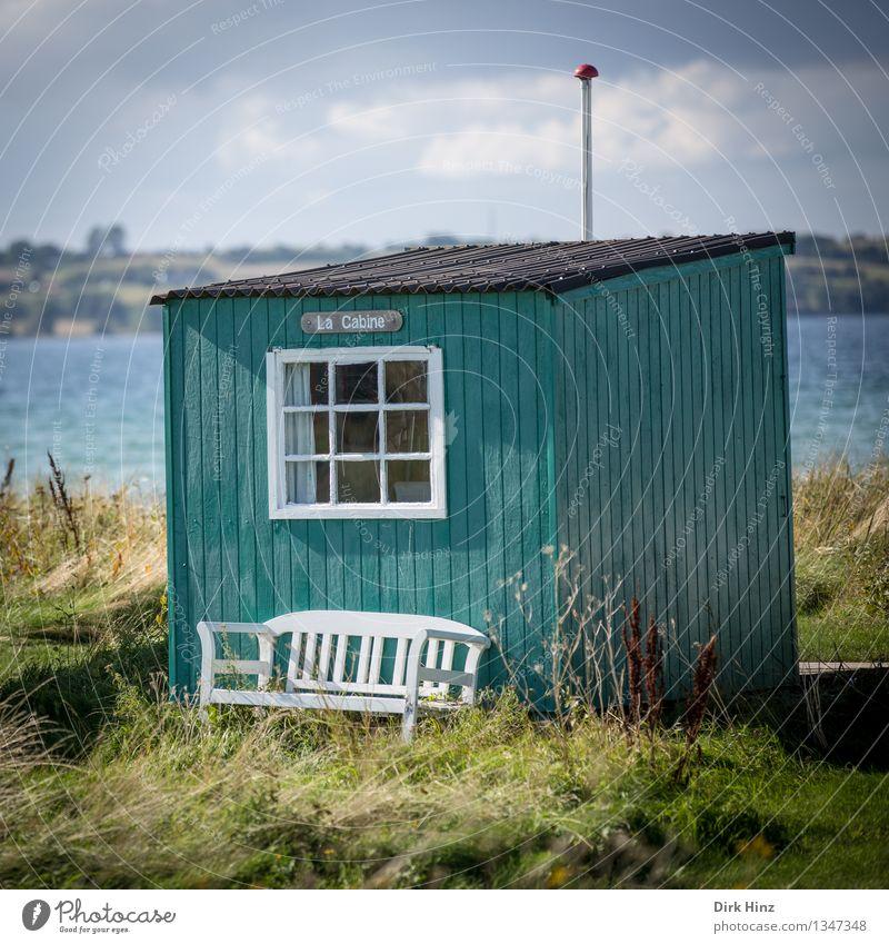 Strandhaus auf Ærø II Natur Ferien & Urlaub & Reisen blau grün Sommer Meer Landschaft ruhig Haus Ferne Fenster Gras Freiheit Tourismus Aussicht