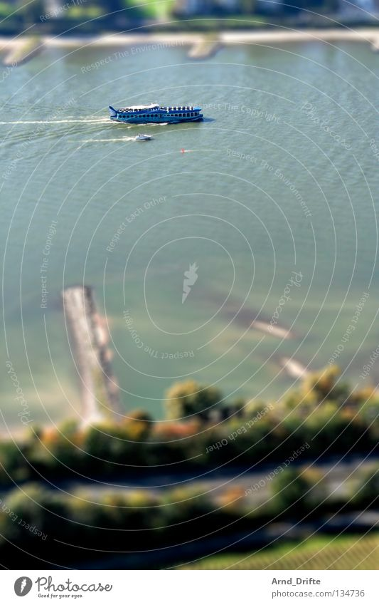 Mini-Rhein Wasser klein Bonn Fluss Bach Surrealismus Miniatur Tilt-Shift Drachenfels