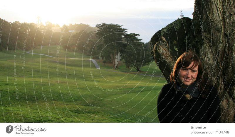 glücklich Golfplatz schön grün Gras Frau Baum San Francisco Kalifornien Amerika Wald Frühling Winter Januar Freude Glück Sone Rasen Natur Sonenschein USA