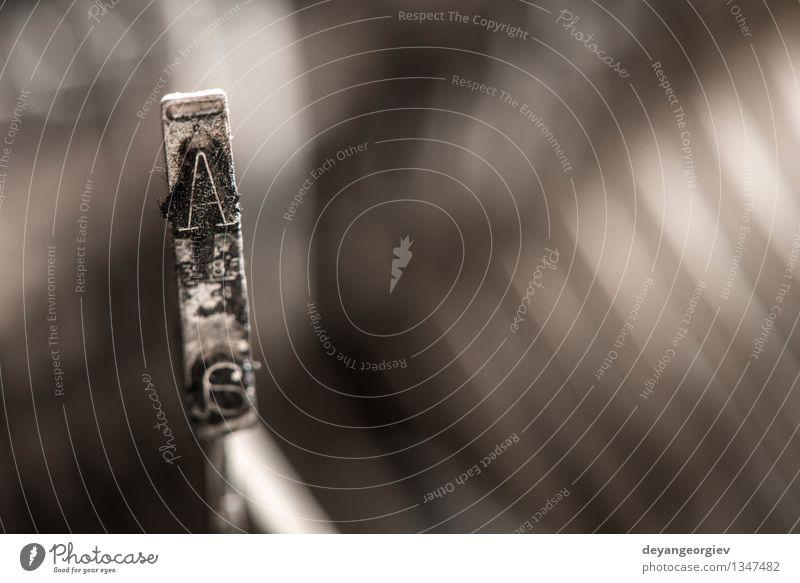 Plate Buchstabe A auf einer Schreibmaschine Drucker Metall alt retro Tradition Brief Briefe Presse altehrwürdig Alphabet Maschine Typ Spuren Gußeisen Text