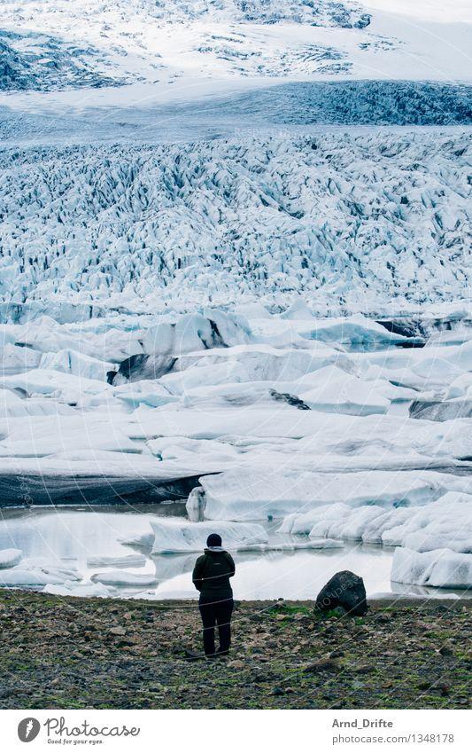 Island Mensch Frau Natur Ferien & Urlaub & Reisen blau grün Wasser Landschaft Ferne Erwachsene Berge u. Gebirge Schnee feminin See Tourismus Ausflug